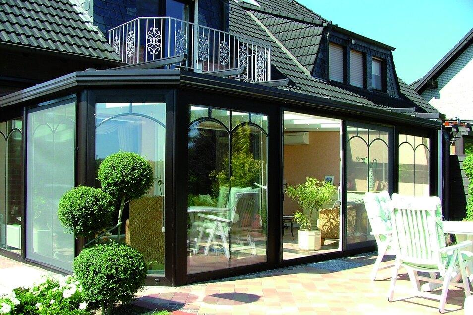 In jedem Stil gibt es passend zum Haus den perfekten Wintergarten.