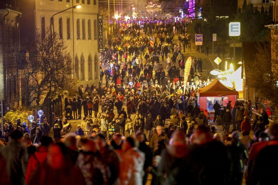 Wie alle Großveranstaltungen abgesagt: der Feuerzauber in Neugersdorf - hier ein Foto aus dem Vorjahr.