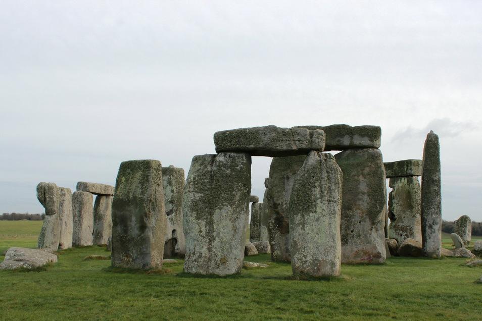 Die Kultstätte Stonehenge. Neuen Forschungen zufolge könnte das steinzeitliche Monument Stonehenge jahrhundertelang in Wales gestanden haben.