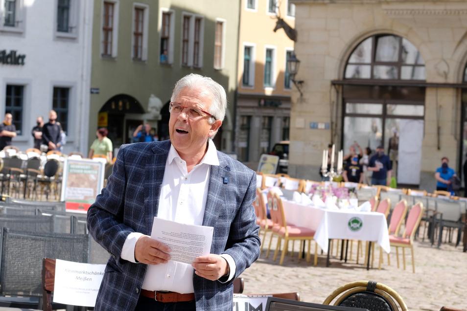 Der Chef der Müller-Restaurants, Karsten Müller, zählt zu den Initiatoren einer Aktion auf dem Meißner Markt am Freitag. Die Wirte machten auf ihre Probleme aufmerksam.