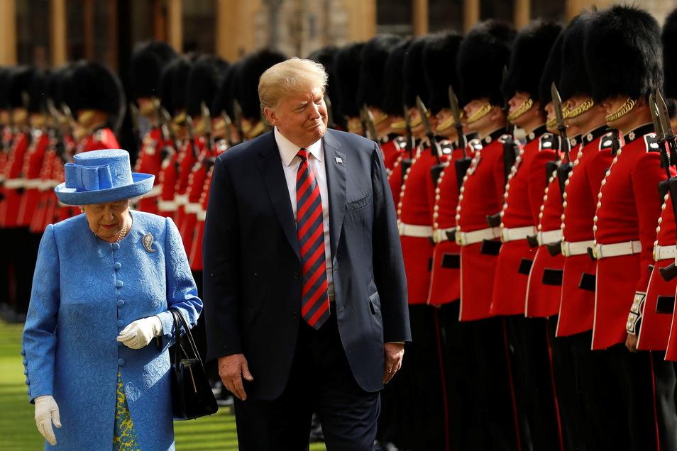Der damalige US-Präsident Donald Trump wurde von der Queen ermahnt.