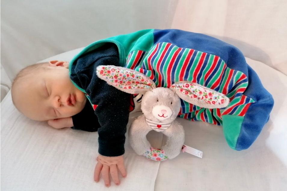 Christian, geboren am 30. März, Geburtsort: Dresden, Gewicht: 4.135 Gramm, Größe: 56 Zentimeter, Eltern: Susanne Kaminski und Heiko Süßmilch, Wohnort: Lohmen / Mühlsdorf