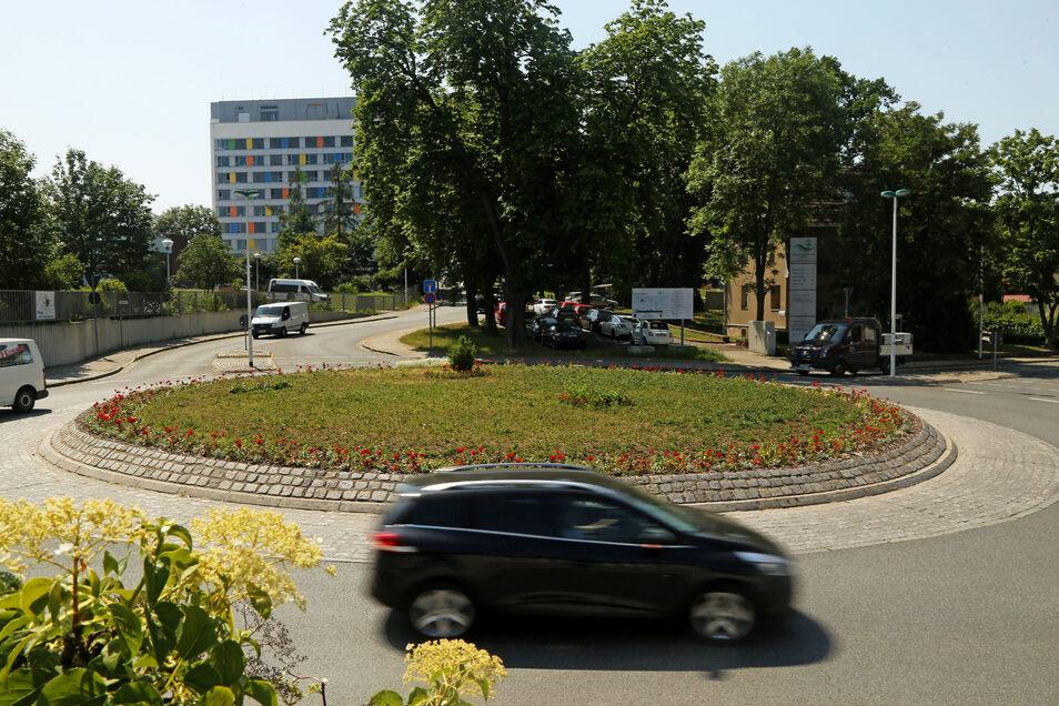 Gewünschte Fläche: Auf dem Kreisverkehr am Krankenhaus wird der Riese im Herbst aufgestellt.