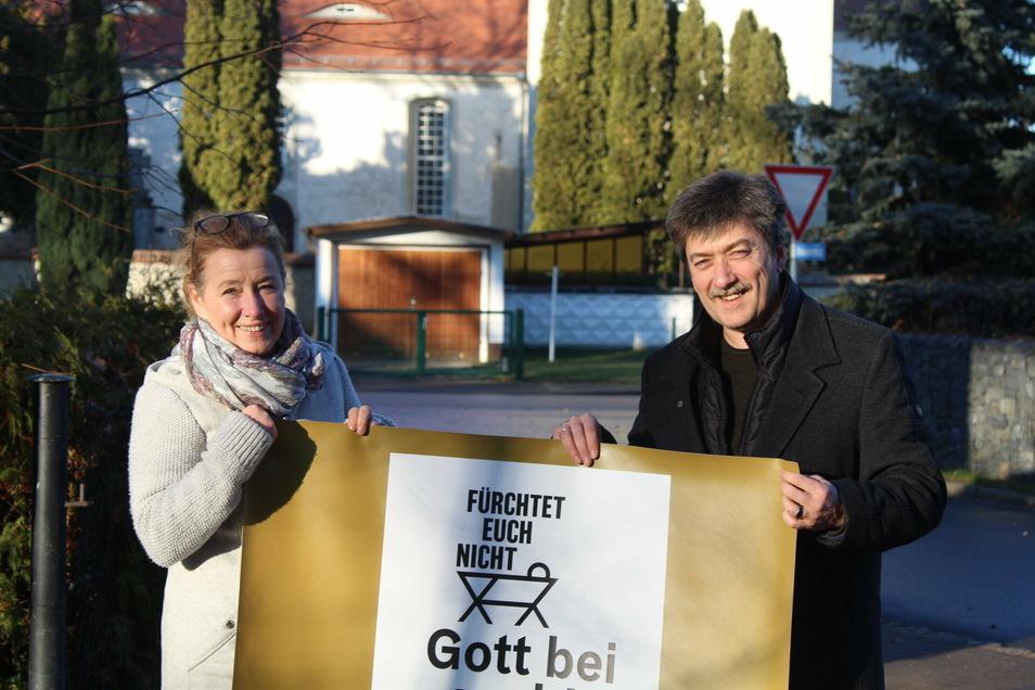 Pfarrer Frank Dregennus und seine Frau Christine (Gemeindepädagogin in der Gemeinde) wollen das Weihnachtsfest in die Häuser der Kirchgemeinde bringen.