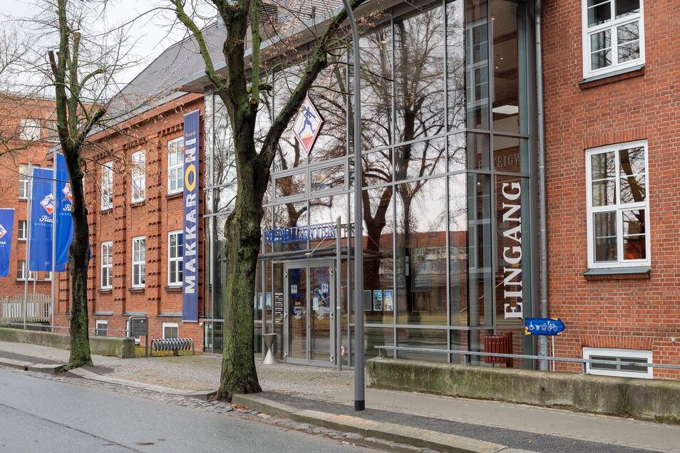 Das Nudelcenter an der Merzdorfer Straße in Riesa nimmt den Testbetrieb auf. Der Zutritt dafür soll über einen gesonderten Eingang aus Richtung Parkplatz erfolgen.
