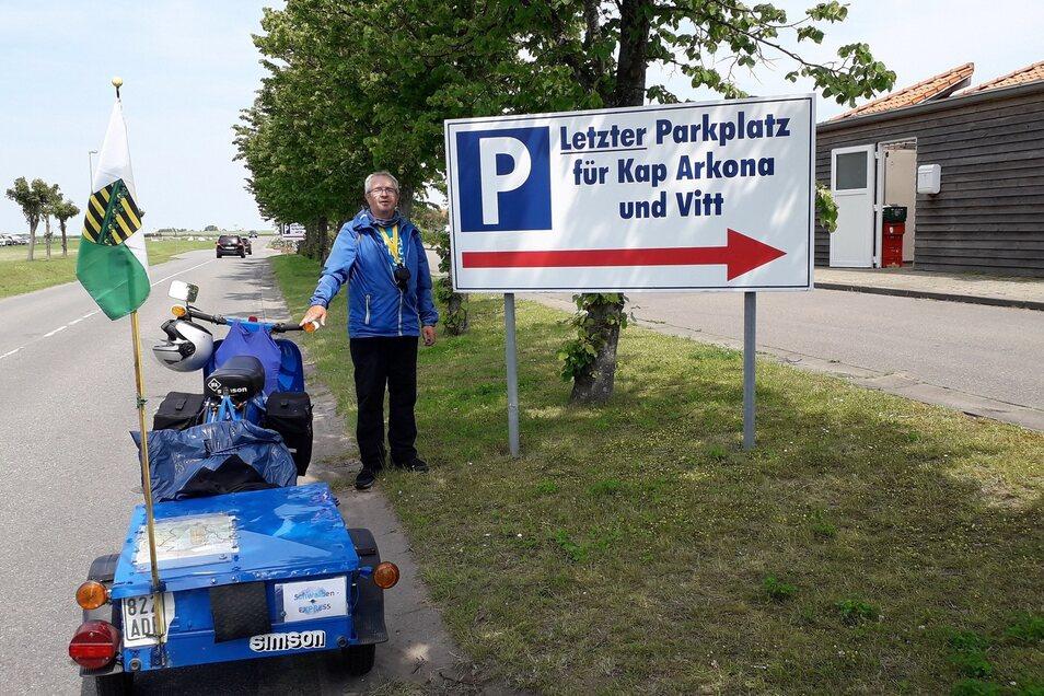 An markanten Punkten seiner Reise, wie nahe des Kaps Arkona auf Rügen, hat Dieter Hennig zum Beweis Fotos gemacht.