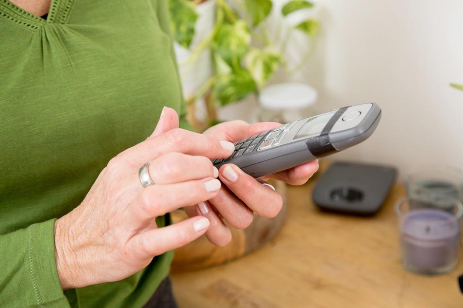 Eine Dresdner Rentnerin ließ sich am Telefon nicht von einer Trickbetrügerin beeindrucken.