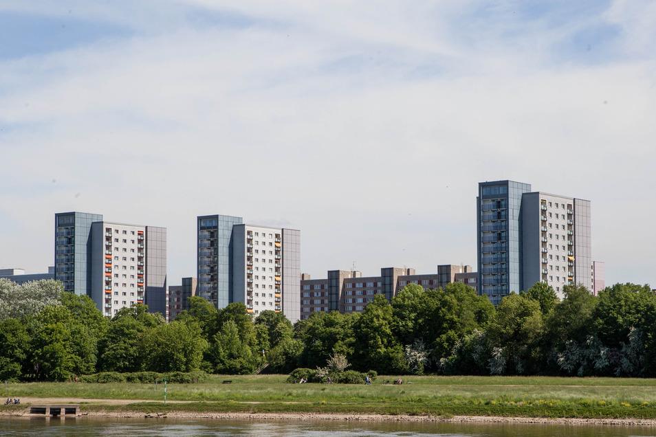 Die Hochhäuser Florian-Geyer-Straße in Dresden.