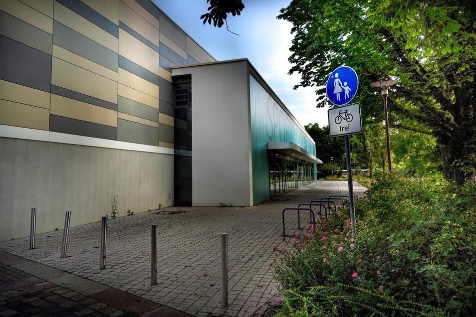 Die Sporthalle am Gymnasium Cotta kann derzeit nicht genutzt werden, weil an der Dachkonstruktion ein Wasserschaden entdeckt wurde.