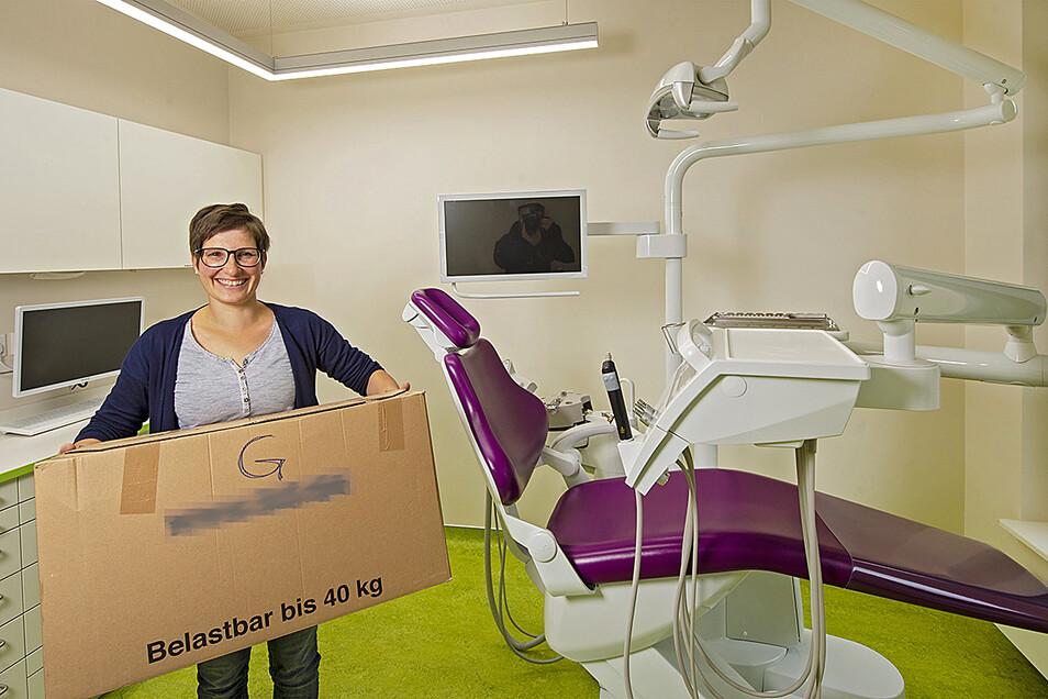 Zahnärztin Dr. Lydia Lippert in der neuen Praxis: Passende Räume im Scheunenhofcenter gefunden.