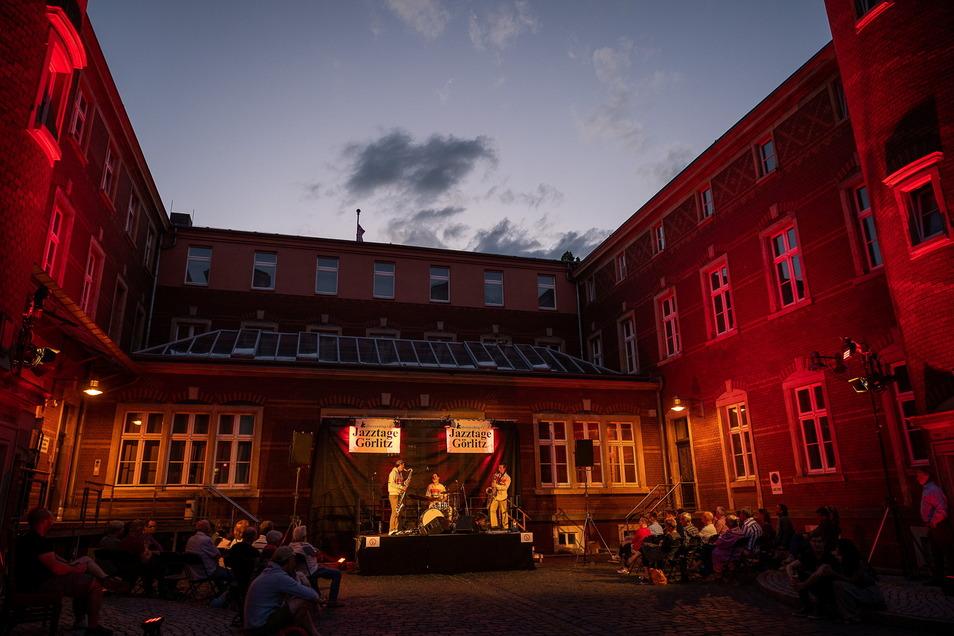 """Die Berliner Band """"Bobby Rausch"""" spielte zum Auftakt der Jazztage im Juli im Görlitzer Posthof."""