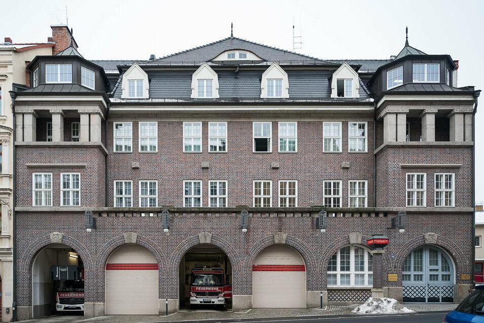 Die Feuerwehr in Görlitz, obwohl saniert nach der politischen Wende, kann ihre Herkunft aus den 1920er-Jahren nicht verheimlichen.