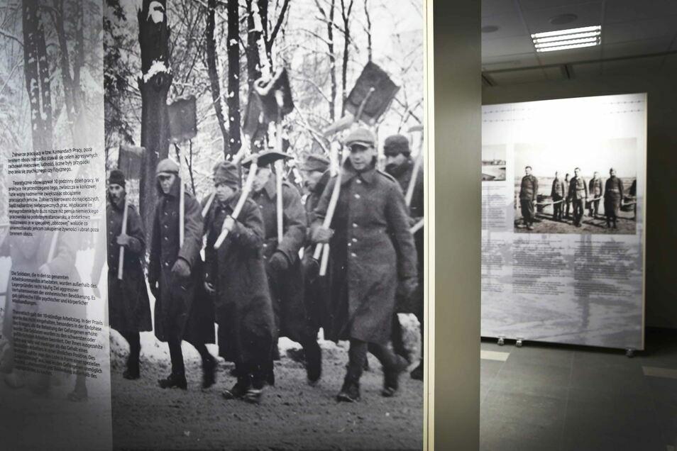 """1939 zwangen die Deutschen polnische Soldaten das eigentliche Stammlager zu bauen. 2015 wurde das heutige Gedenkzentrum, das """"Europäische Zentrum Erinnerung, Bildung, Kultur"""" eröffnet."""