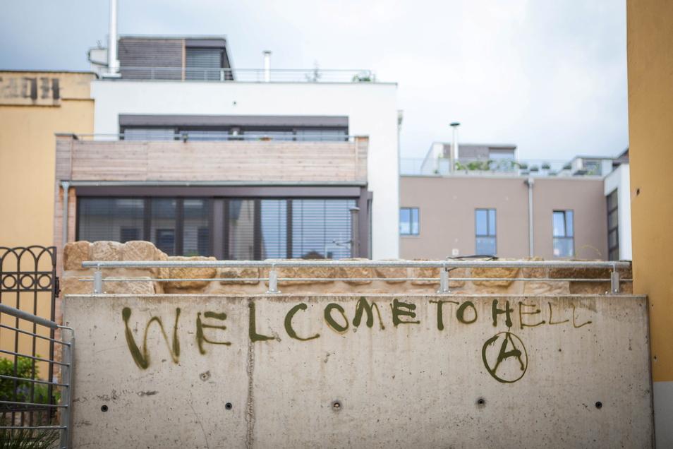 Kritik an hohen Mieten, vor allem in Neubauten, wird in Dresden immer wieder auch im Stadtbild sichtbar. Die Mietpreisbremse soll allerdings nicht für den Erstbezug von Neubauten gelten.
