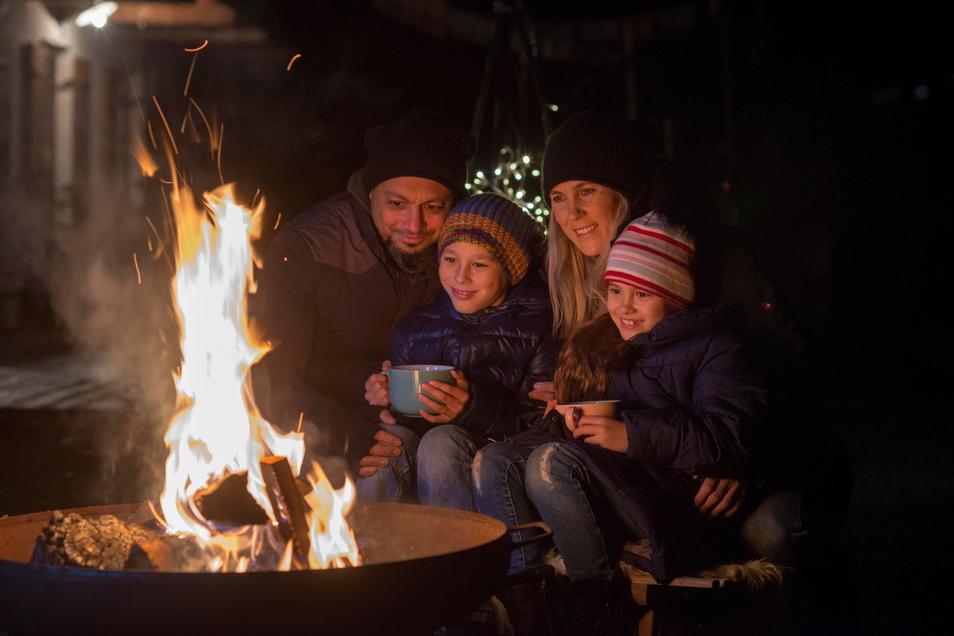 Sogenannte Wärme- oder Gemütlichkeitsfeuer, etwa an der Feuerschale, müssen nicht genehmigt werden (Symbolfoto)
