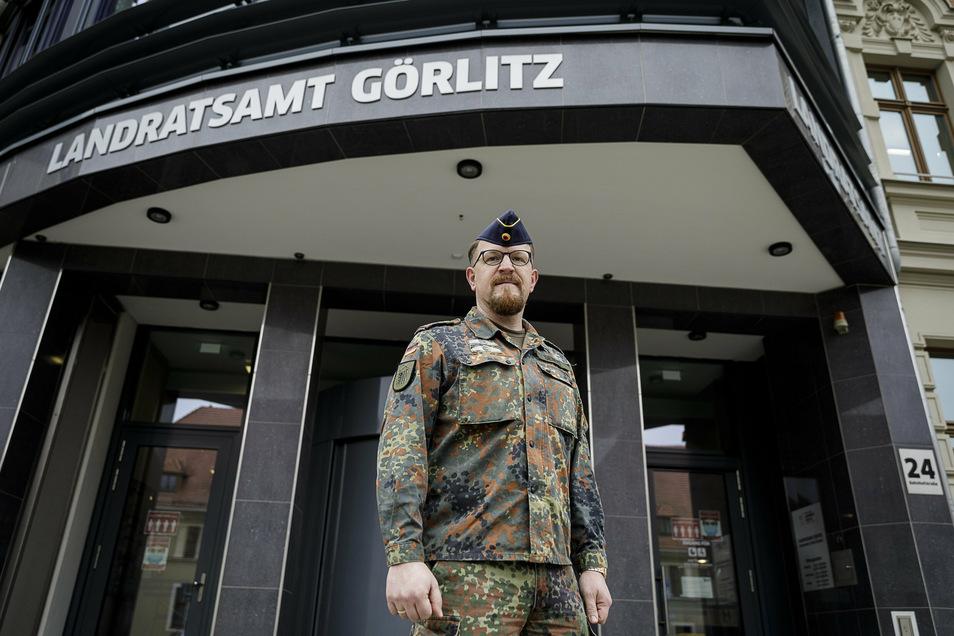 Der Oybiner Hotelier Conrad Siebert hat sich im November freiwillig zur Reserve gemeldet und koordiniert jetzt den Corona-Hilfseinsatz von rund 100 Bundeswehrsoldaten im Kreis Görlitz.