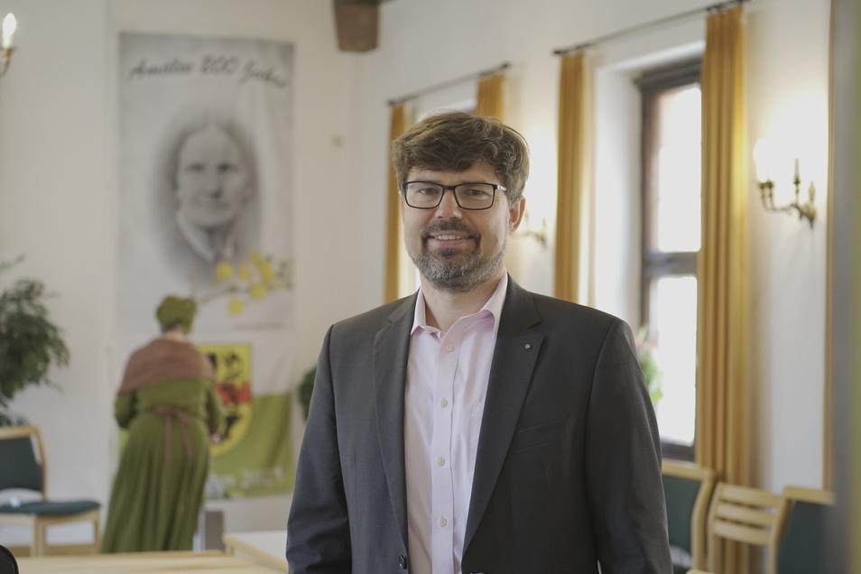 Matthias Lütkemeier, Vorsitzender des Schulförderverein Siebenlehn, kann die Gäste zum Festakt des 200. Geburtstages von Amalie Dietrich nur online empfangen.