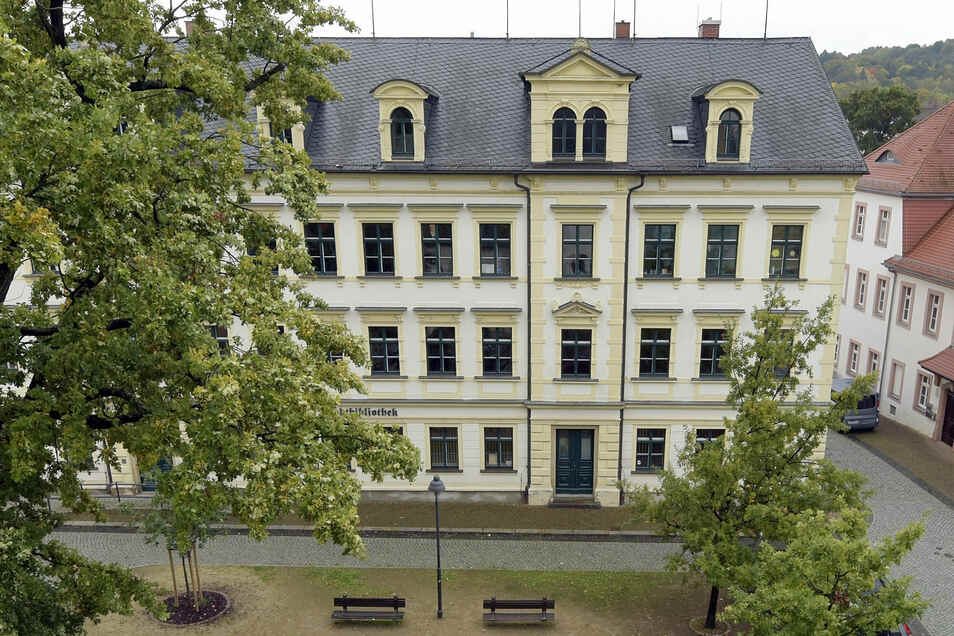 Die Stadtbibliothek in Döbeln bekommt eine neue Beleuchtung.