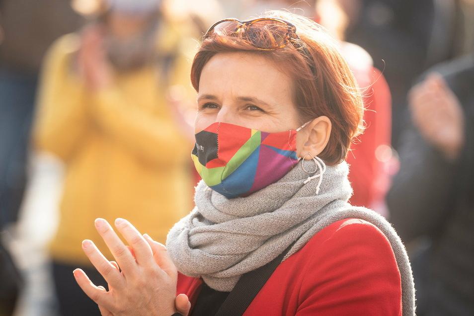 Für die Bundesvorsitzende der Linkspartei Katja Kipping - hier bei einer Demonstration in Dresden - sind Tariflöhne eine Selbstverständlichkeit. Deshalb unterstützt sie die Meißner Kabelwerker.