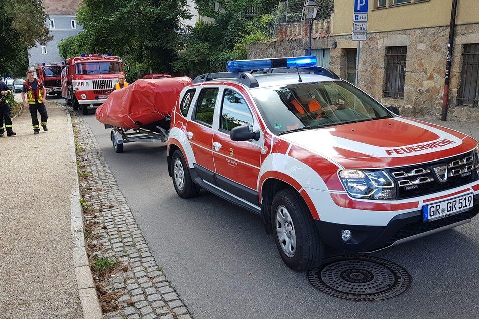 Die Feuerwehr war mit 54 Kameraden und sechs Fahrzeugen im Einsatz.