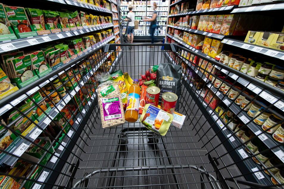 Supermärkte gehören zu den Gewinnern des Corona-Jahres. Ihre Umsätze sind insgesamt gestiegen, während andere Händler schließen mussten.