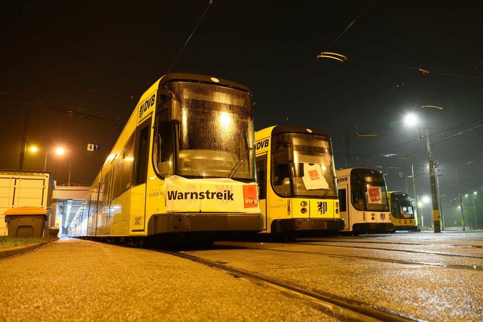 Die Straßenbahnen blieben an diesem Donnerstag in den Depots.