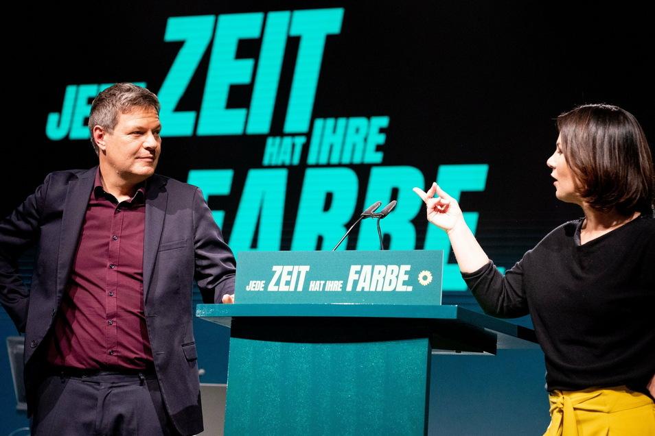 Annalena Baerbock und Robert Habeck trimmen ihre Partei in Richtung Regierungsbeteiligung.
