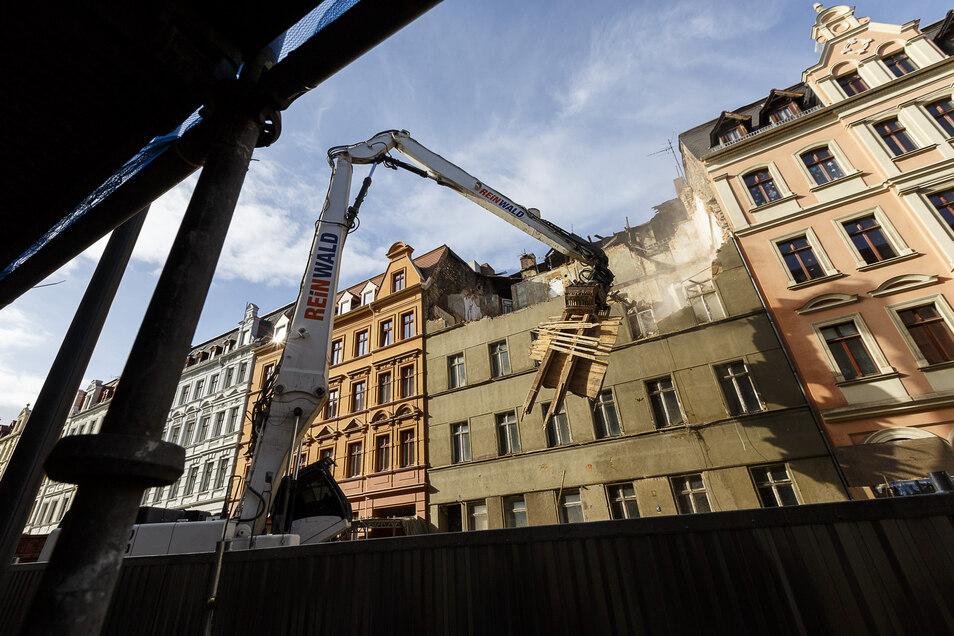 Das einsturzgefährdete Haus Landeskronstraße 34 wurde vor zwei Jahren abgerissen. Seither prangt eine Lücke in der Häuserzeile.