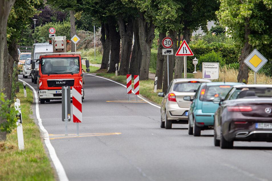 Diese Fahrbahneinengung gibt es nun in Schwarzkollm.