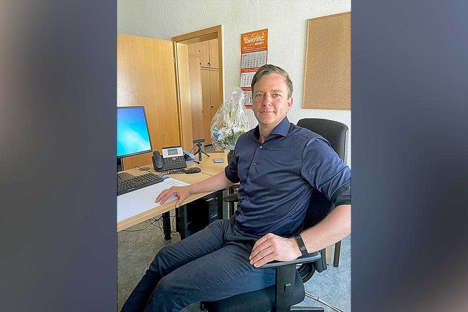 Der erste Arbeitstag war nun doch schon früher als gedacht: Thomas Peters ist seit Dienstag als neuer Bürgermeister von Bad Gottleuba-Berggießhübel im Amt.