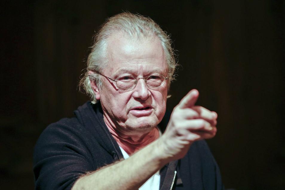 """Auch mit 70 Jahren alles andere als ein Leisetreter: Frank Castorf wird 2022 """"Wallenstein"""" in Dresden inszenieren."""