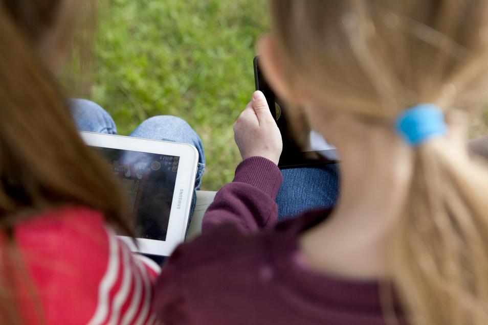 Apps sind für Kinder ein beliebter Zeitvertreib - bei der Auswahl sollten Eltern aber einige Kriterien beachten.