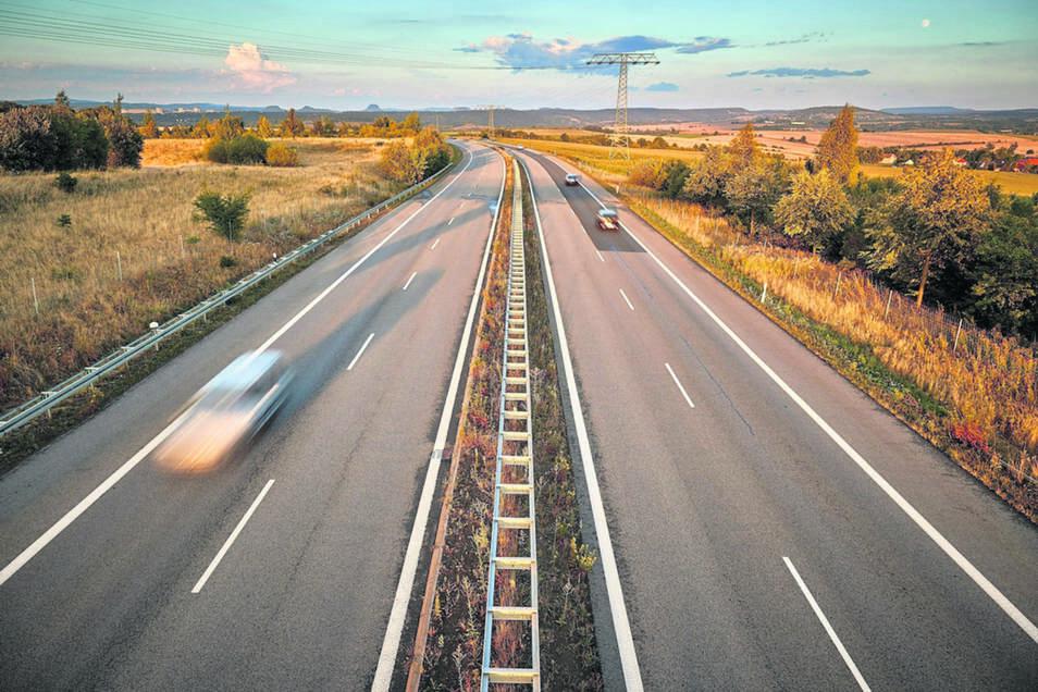 140 Hektar groß soll der IPO entlang des Autobahnzubringers B 172a , der A 17, Heidenau und Pirna werden.