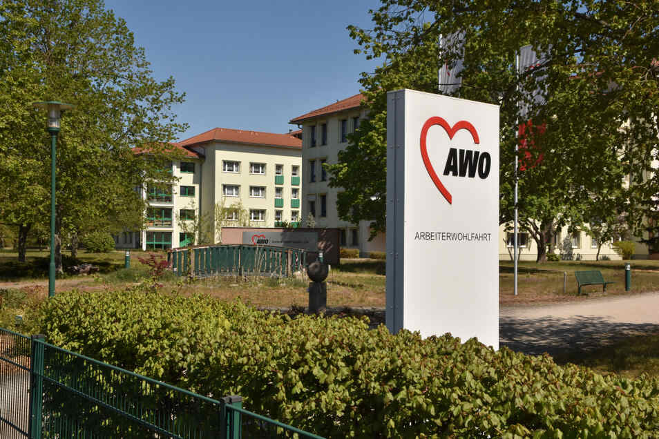 Die Awo Lausitz betreibt in Hoyerswerda in der Müntzerstraße ein Altenzentrum und ein Pflegewohnheim.