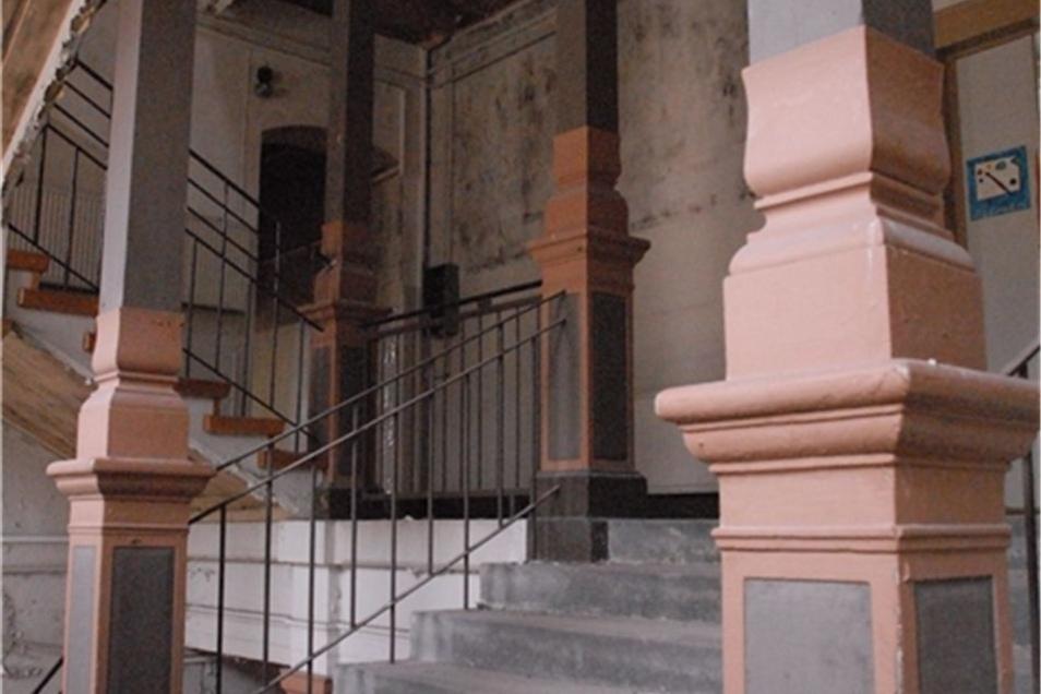 Den Glanz alter und neuer Zeit kann man im Hauptgebäude gut erahnen.