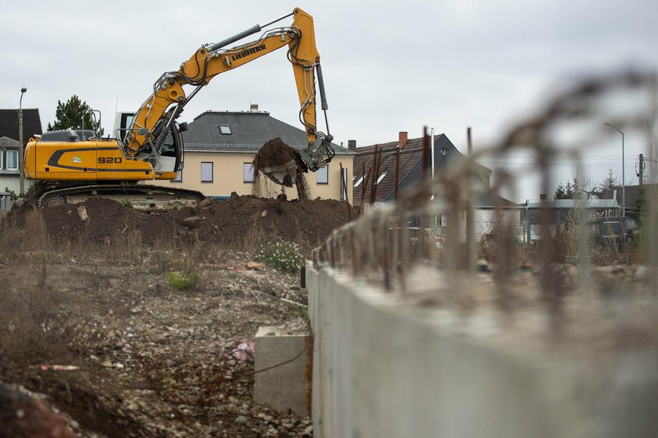 Auf dem Gelände des ehemaligen Landhandels an der B170 hat der Bau des neuen Konsums begonnen.