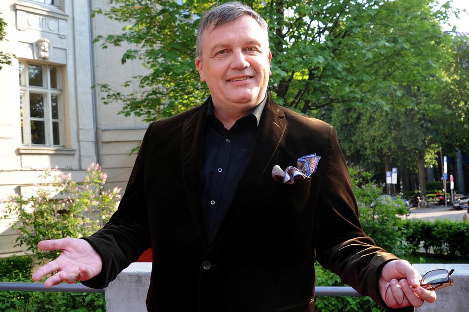 Hape Kerkeling beendet nach mehr als sechs Jahren seine Bildschirmpause. Der 56-Jährige wird Hauptdarsteller einer Serie auf RTL.
