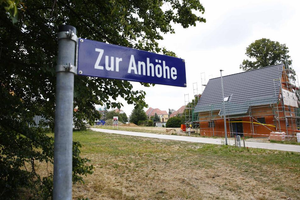An der Stiftstraße/ Zur Anhöhe in Großröhrsdorf entsteht ein Haus nach dem anderen. Weitere Baustandorte in der Stadt sind in Planung.