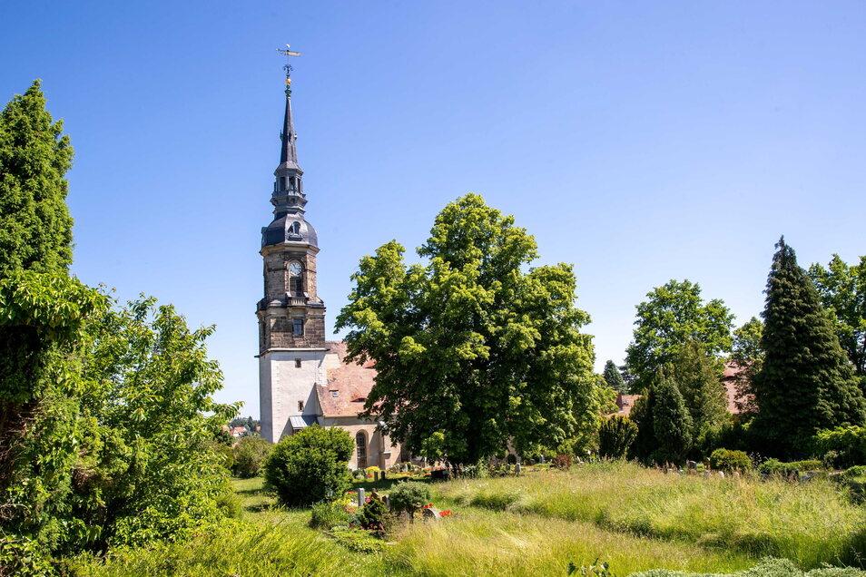 Mit 57 Metern Höhe ist der Possendorfer Kirchturm einer der höchsten im Kirchenbezirk Freiberg und mit 500 Jahren einer der ältesten.