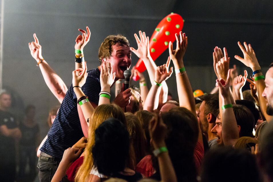 Beim Steinitzer Pfingstfest standen immer hochkarätige Künstler auf der Bühne. 2014 war es die Band Madsen.