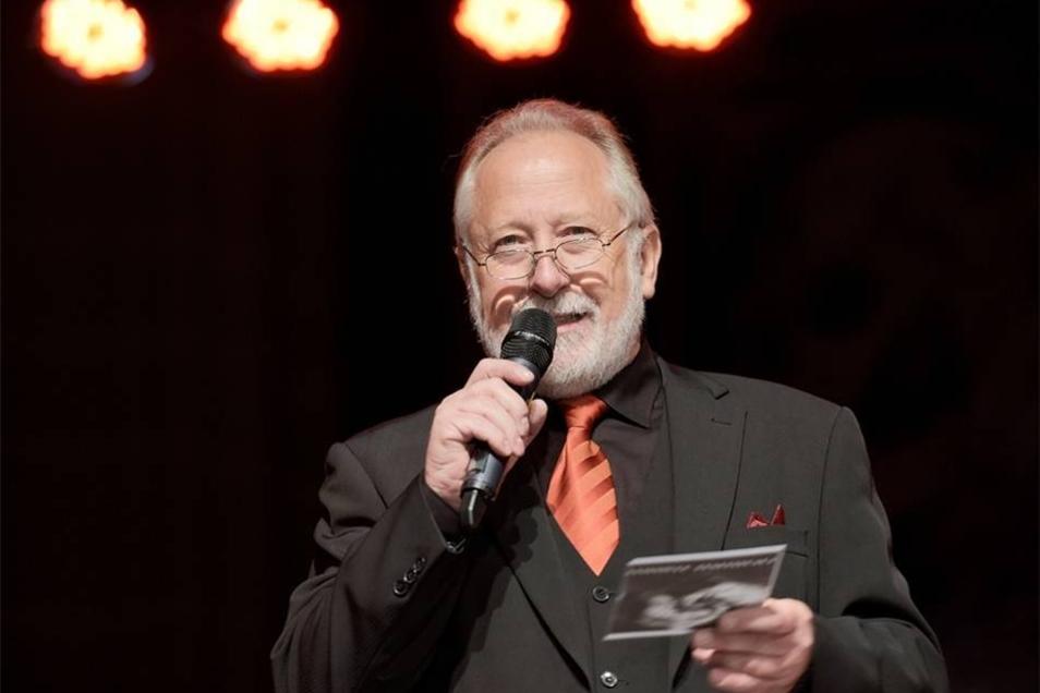 Moderator und Organisator Hansjörg Oehmig führte humorvoll durch das Programm.