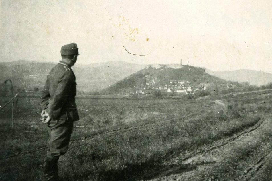 """""""Eine landschaftlich wunderschöne Gegend."""" Im Herbst 1944 zieht Marcel Weises Einheit durch Nord-Ungarn. Die Idylle ist vorbei, als die Sowjetarmee zum Sturm auf Budapest ansetzt."""