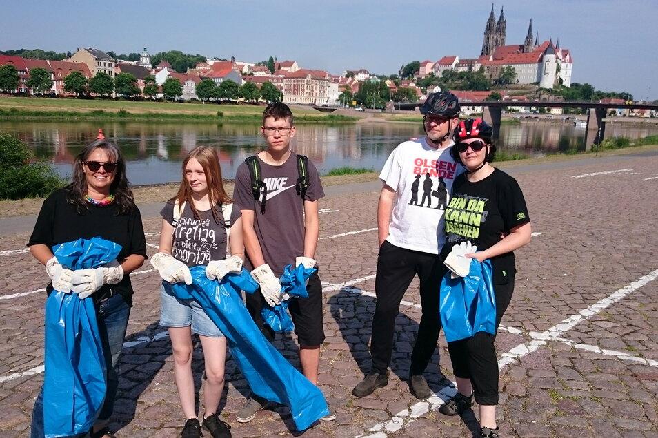 """Mit Müllbeuteln und Handschuhen starteten beherzte Meißner Bürger am vergangenen Wochenende zur traditionellen Aufräumaktion """"Meißen putzt sich raus""""."""