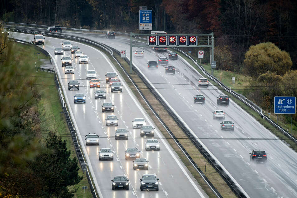 Die Autobahn GmbH soll sich ab Anfang 2021 um das 13 000 Kilometer lange Netz der deutschen Autobahnen kümmern.