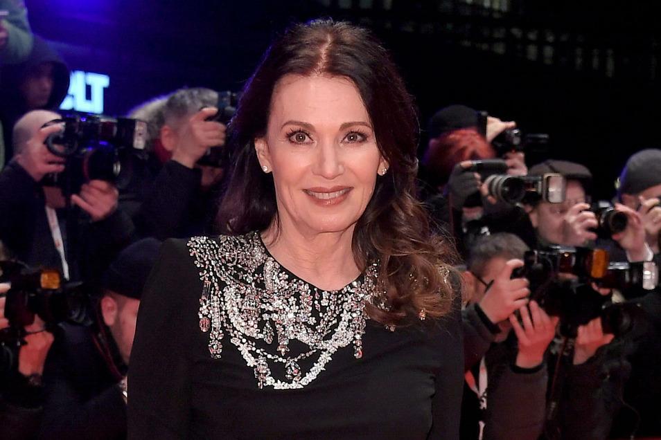 Iris Berben im Februar auf der Eröffnungsgala der 70. Berlinale. Am Mittwoch wird die Schauspielerin nun selbst 70 Jahre alt.