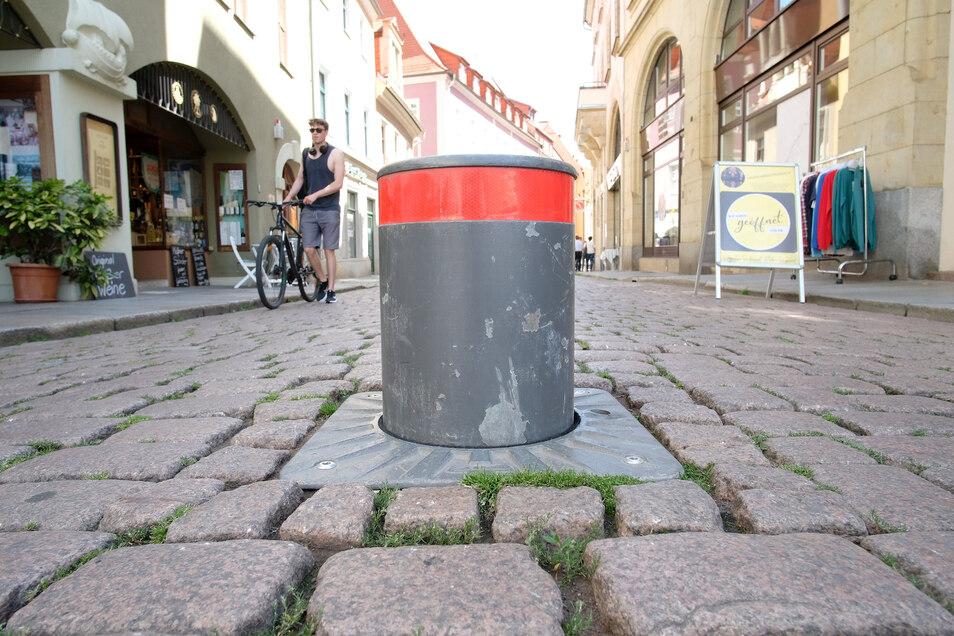 Länger oben. Die Zeiten, in denen Poller die Einfahrt in die Elbstraße versperren, sind verlängert worden.