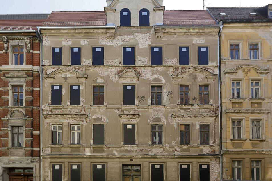 Dach gesichert: Jauernicker Straße 30