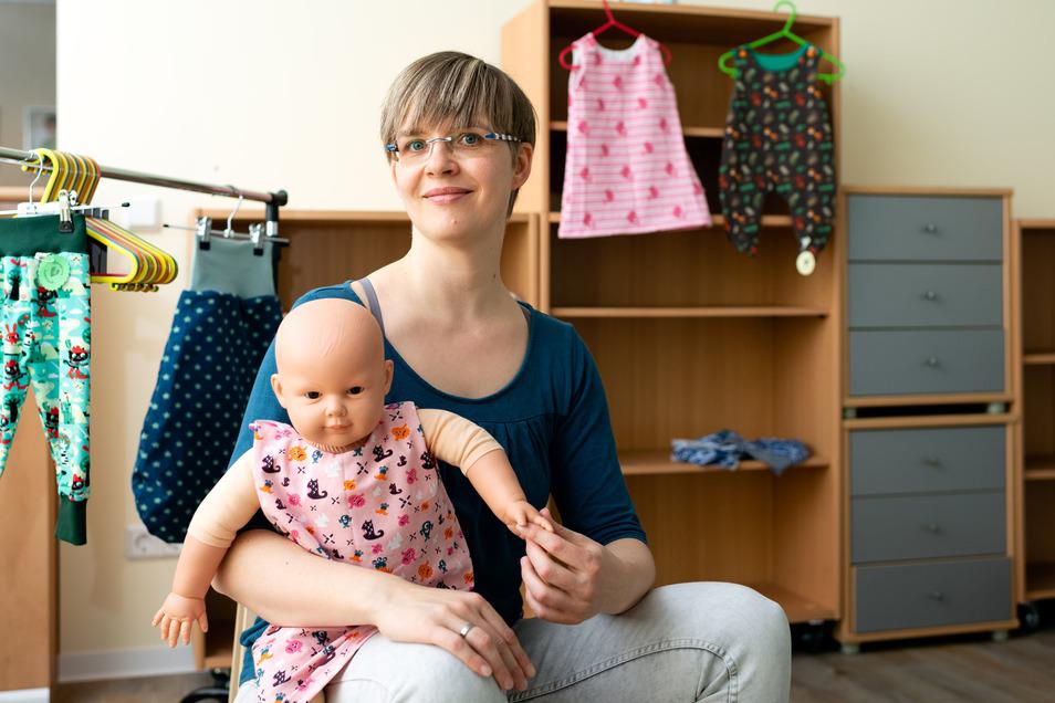 Annett Weise nährt in ihrer Freizeit für Babys und Kinder.