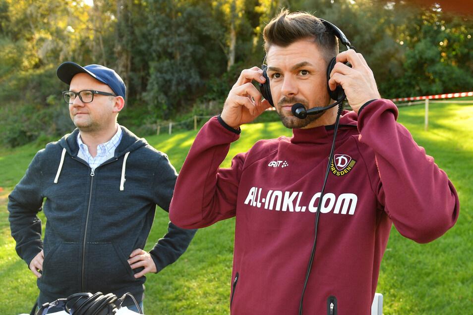 Torhüter Patrick Wiegers (rechts) stand beim Test gegen Bukarest nicht zwischen den Pfosten, sondern am Mikro. Gemeinsam mit Radio-Dresden-Reporter  Jens Umbreit kommentierte er das Duell für den Livestream.