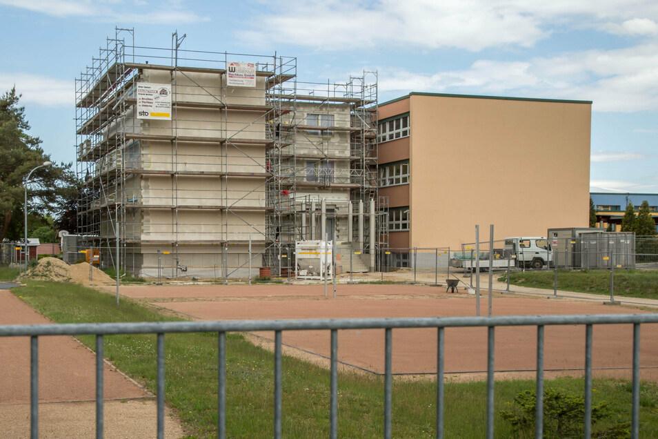 Der Anbau der Kodersdorfer Oberschule wird teurer und wahrscheinlich später fertig. Ob hier zum Schuljahresbeginn schon unterrichtet werden kann, ist noch nicht sicher.